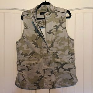NWT MAX JEANS City Girl Camo Vest